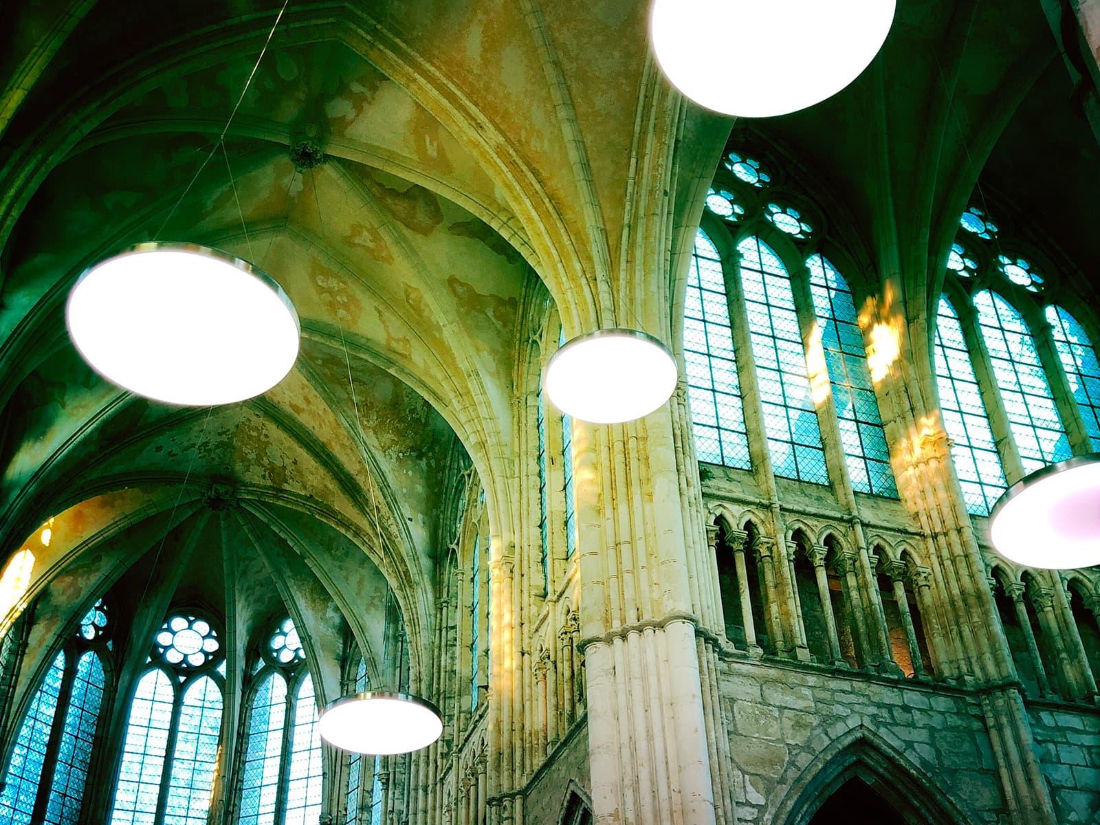 Installation lumineuse PHYSIS